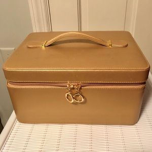 Estée Lauder Gold Travel Cosmetic Train Case
